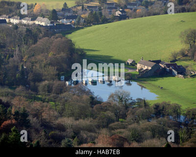 Calver, Derbyshire. 28th Nov, 2016. UK Weather: Caravans flooded in a field by the River Derwent in Stocking Farm - Stock Image