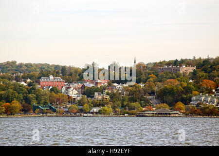 View of Dobbs Ferry, NY from New Jersey Palisades - Stock Image