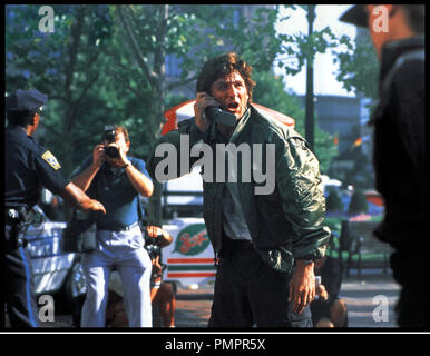 Prod DB © MGM / DR BLOWN AWAY (BLOWN AWAY) de Stephen Hopkins 1994 USA avec Jeff Bridges tŽlŽphone portable d'aprs le scŽnario de John Rice - Stock Image
