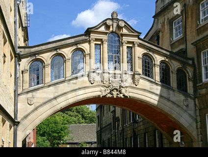 Hertford College and Bridge of Sighs, University of Oxford, New College Lane, Oxford, Oxfordshire, UK - Stock Image