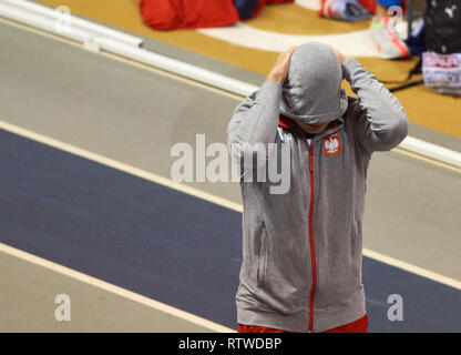 Glasgow, UK: 2st March 2019: Pawel Wojciechowski tries to focus before winning gold in Pole Vault on European Athletics Indoor Championships 2019.Credit: Pawel Pietraszewski/ Alamy News - Stock Image
