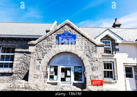 Princetown primary school Devon, Princetown, Devon, UK, England, primary school, primary schools, building, exterior, sign, signs, facade, entrance, - Stock Image