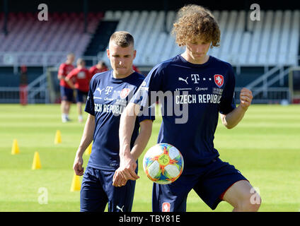 Prague, Czech Republic. 03rd June, 2019. Michal Sadilek, left, and Alex Kral of the Czech Republic national soccer team attend the training prior to the European Championship qualifiers with Bulgaria (Prague on June 7) and Montenegro (Olomouc, north Moravia, on June 10) in Prague, Czech Republic, June 3, 2019. Credit: Katerina Sulova/CTK Photo/Alamy Live News - Stock Image