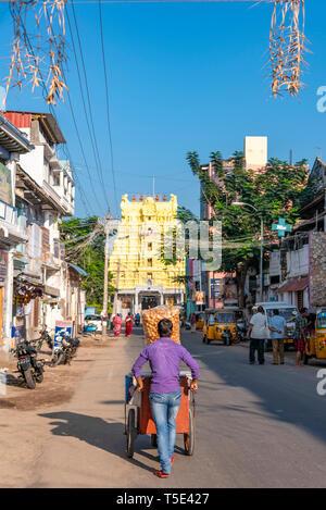 Vertical streetview of Ramanathaswamy Temple in Rameswaram, India. - Stock Image