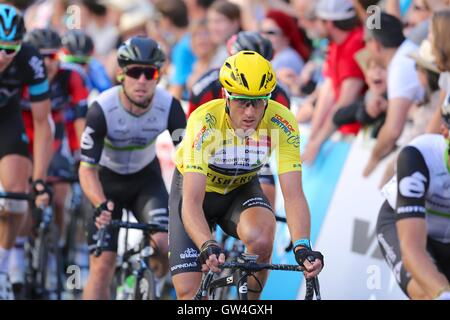 London, UK.  11th September 2016. Tour of Britain stage 8, circuit race.  Race leader Steve Cummings of Dimension - Stock Image
