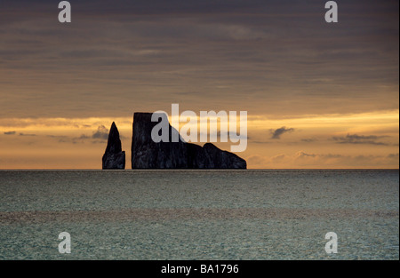 Kicker Rock at Sunset from Cerro Brujo Beach, San Cristobal Island, Galapagos Islands, Ecuador, South America. - Stock Image