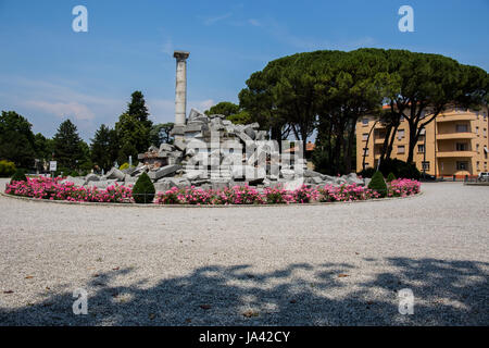 Monument in the park - Stock Image