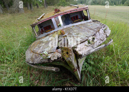 Old abandoned boat. - Stock Image