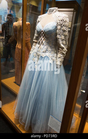 The ball gown dress that was worn by country singer Loretta Lynn for the 'Van Lear Rose' album on display at the Country Music Hall of Fame, Nashville - Stock Image