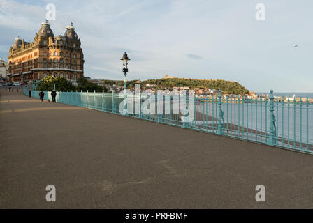 The Grand Hotel Scarborough with Scarborough Castle and harbour in background. unsharpened - Stock Image