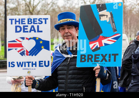 London, UK. 23 March 2019. Remain supporter Steve Bray takes part in a march to stop Brexit in Central London calling for a People's Vote. - Stock Image