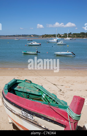 Portugal, Algarve, Alvor, Boat on the Beach - Stock Image