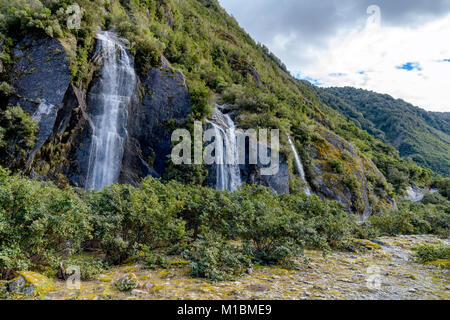 Franz Josef Glacier Walk – waterfalls - Stock Image
