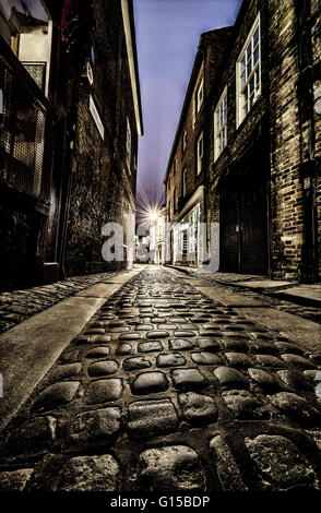 the shambles york yorkshire england uk europe cobbled streets old medieval narrow tudor architecture buildings history - Stock Image