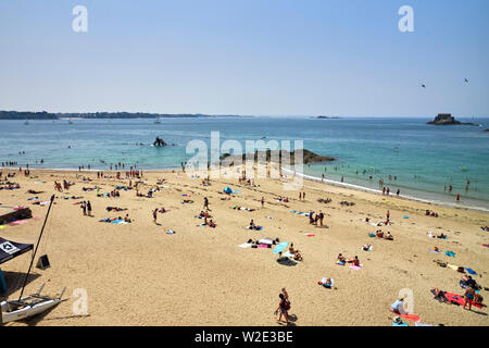 One of the beaches at St Malo, Brittany, France - Stock Image