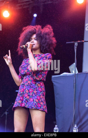 London, UK, 12th July 2015. Iris Gold Outdoor Concert, Kew Gardens Credit:  Robert Stainforth/Alamy Live News - Stock Image