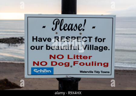 No Dog Fouling, No Litter notice, Waterville, County Kerry Ireland - Stock Image