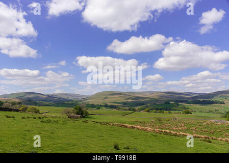 Yorkshire Dales looking towards Appersett - Stock Image