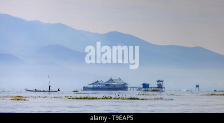 Overview of the Inle Lake with fisherman - Stock Image