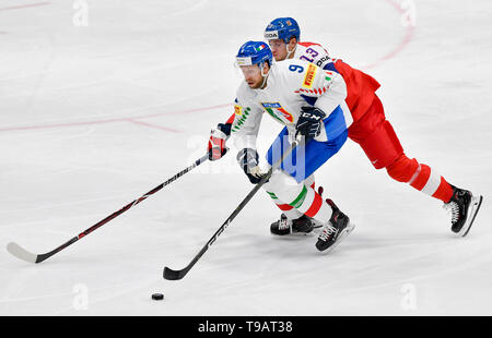 Bratislava, Slovakia. 17th May, 2019. From left ARMIN HOFER of Italy JAKUB VRANA of Czech Republic, in action during the Ice Hockey World Championships group B match between Czech Republic and Italy in Bratislava, Slovakia, May 17, 2019. Credit: Vit Simanek/CTK Photo/Alamy Live News - Stock Image