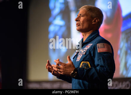 NASA astronaut Mark Vande Hei speaks about his time onboard the International Space Station, Friday, June 15, 2018 at NASA Headquarters in Washington.  Vande Hei  and astronaut Joe Acaba answered questions from the audience and spoke about their experiences aboard the International Space Station for 168 days as part of Expedition 53 and 54. - Stock Image