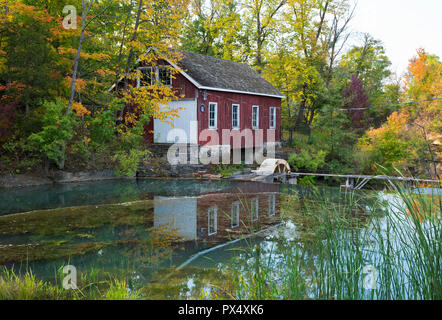 Historic Morningstar Mill at Decew Falls in St. Catharines, Ontario, Canada in the Autumn. - Stock Image