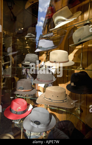 Barcelona Sombrereria Obach shop window - Stock Image