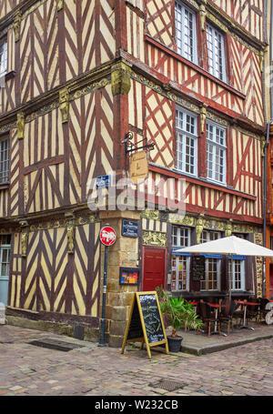 Wooden framed buildings in Rue du Chapitre, Rennes, Brittany, France - Stock Image