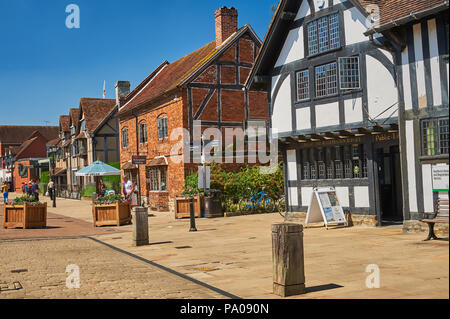 Old buildings line Henley Street in the centre of Stratford upon Avon, Warwickshire, England - Stock Image