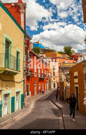 Street scene in the historic center of Guanajuato, Mexico. - Stock Image