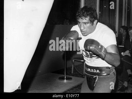 Argentine boxer, JORGE AHUMADA, at a public work out at the Cafe Royal, London - Stock Image