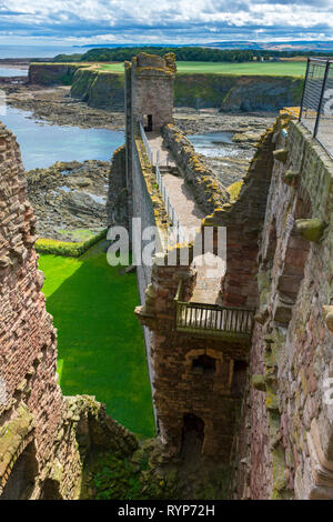 Oxroad Bay, the Curtain Wall and the East Tower from the Mid Tower, Tantallon Castle.  Near North Berwick, East Lothian, Scotland, UK - Stock Image