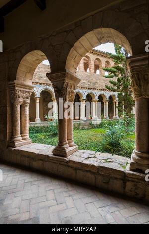 The cloister of Colegiata de Santa Maria la Mayor. Alquezar, Huesca, Aragon, Spain, Europe - Stock Image