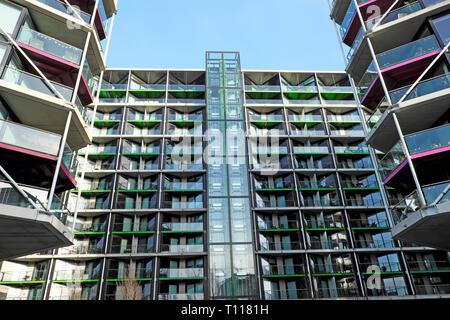 New apartment building housing in Battersea Wandsworth London England UK  KATHY DEWITT - Stock Image
