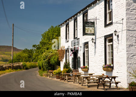 UK, Yorkshire, Wharfedale, Appletreewick, Main Street, New Inn - Stock Image