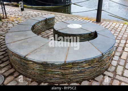 Sculpture, in the shape of a bass clef, by James Parker, a memorial to the musician Boz Burrell (died 2006), Leith, Edinburgh, Scotland, UK. - Stock Image
