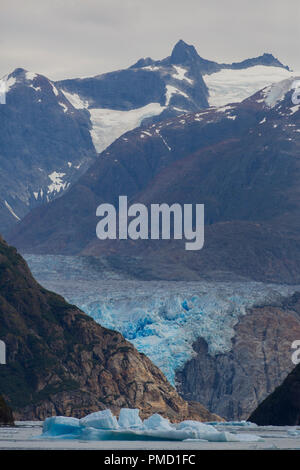 South Sawyer Glacier, Tracy Arm, Tongass National Forest, Alaska. - Stock Image