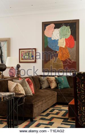 Modern art in living room - Stock Image
