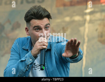 Prague, Czech Republic. 01st June, 2019. Singer Kerr Okan of The Lafontaines music band performs during the United Islands of Prague music festival in Prague, Czech Republic, on June 1, 2019. Credit: Michaela Rihova/CTK Photo/Alamy Live News - Stock Image