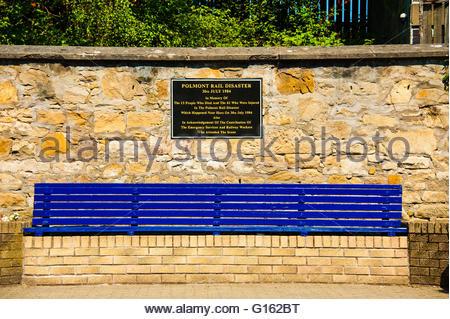 Polmont, Scotland, UK. 9th May 2016. UK Weather, Sunshine in Scotland, Sunshine at Polmont Station, the railway - Stock Image