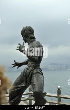 Statue of Bruce Lee. Victoria Harbour, Hong Kong, China - Stock Image