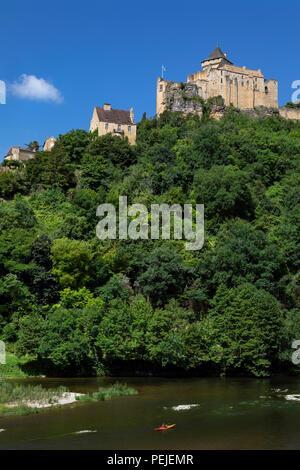 Chateau de Castelnaud high above the Dordogne River in the Dordogne region of France. - Stock Image