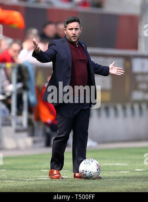 Bristol City manager Lee Johnson gestures on the touchline during the Sky Bet Championship match at Ashton Gate Stadium, Bristol. - Stock Image