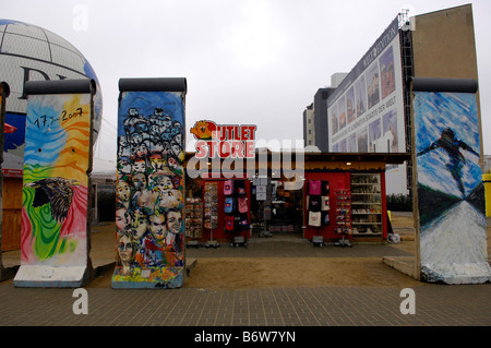 berlin wall eastside gallery germany deutschland art travel tourism history heritage culture DDR east remnants - Stock Image