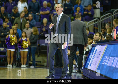 Seattle, WA, USA. 15th Feb, 2018. UW Head Coach Mike Hopkins during a PAC12 basketball game between the University - Stock Image