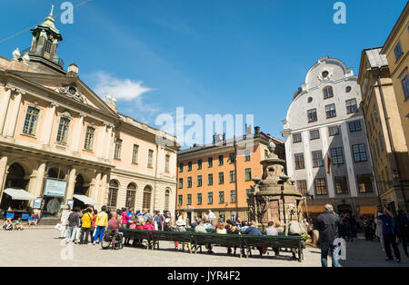 View of Stortorget square in Gamla Stan (Old Town), Stockholm, Sweden with Nobel Museum and Library in the former Stock Exchange Building - Stock Image