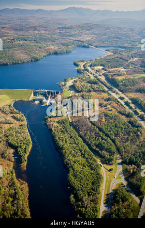 The Moore Dam and Moore Reservoir on the Connecticut River in Littleton, New Hampshire.  White Mountains are in - Stock Image