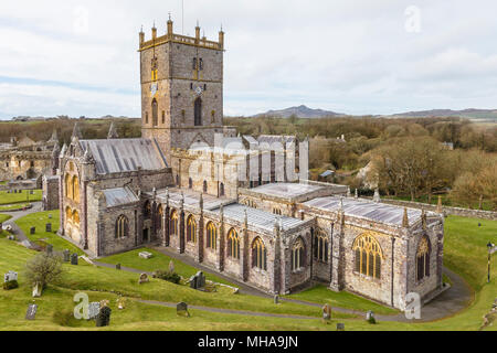 St David's Cathedral, in St Davids, Pembrokeshire. The smallest city in the UK.. - Stock Image
