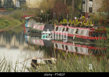 narrow boats on the river severn on an autumnal day - Stock Image