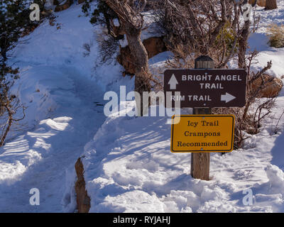 Ice and crampons recommended warning sign. Bright Angel Trail, Grand Canyon National Park, Arizona - Stock Image